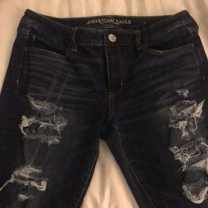 NWOT AE RIPPED JEANS
